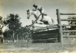 Horse showjumping at St Ives Show